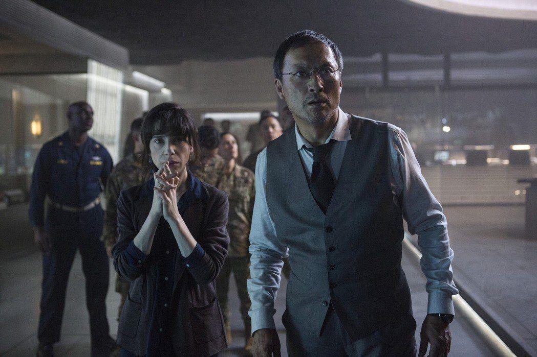 渡邊謙與英國影后莎莉霍金斯在「哥吉拉II 怪獸之王」同台飆戲。圖/美聯社資料照片