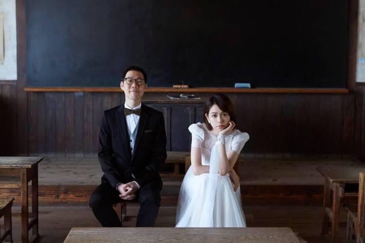 34歲夏于喬與大9歲導演林書宇交往3年多,31日在臉書公布喜訊,曬出絕美的日本婚紗照,只見她臉上洋溢幸福神情,並寫下「我們的人生正式進入下一個階段了,祝福我們」,證實已經結婚,立刻引來許多網友祝賀恭...