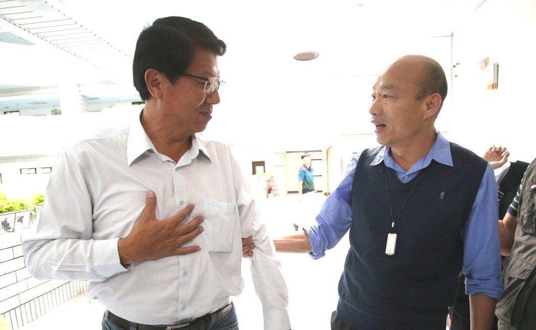 謝龍介(左)與韓國瑜(右)。圖/聯合報系資料照片