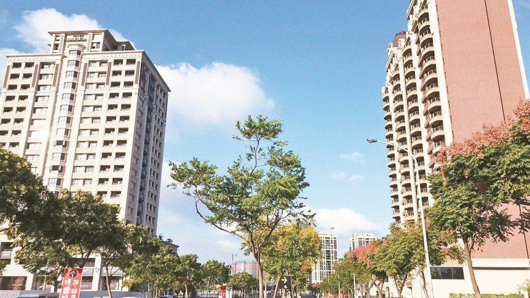 華泰名品城上月開幕,以及機捷等利多,桃園青埔房市買氣回升。 本報資料照片