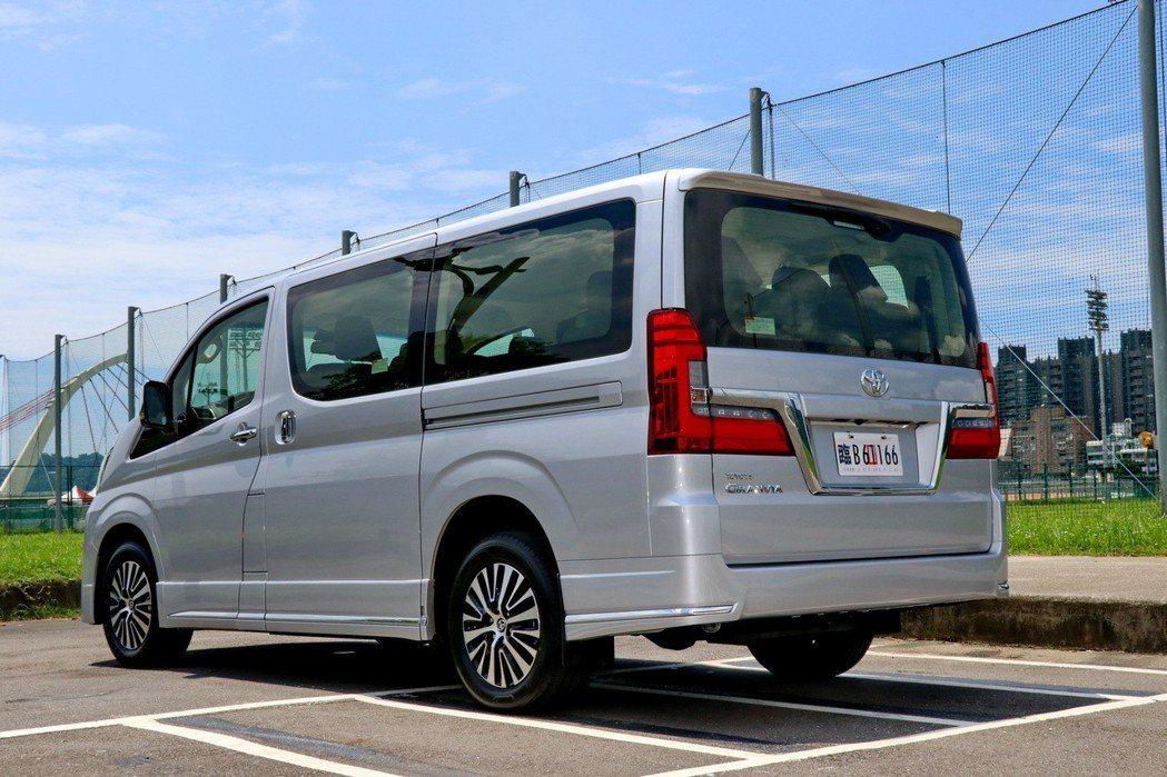 TOYOTA Granvia六人座及九人座,共有五種車型,接單價從174.9萬元...