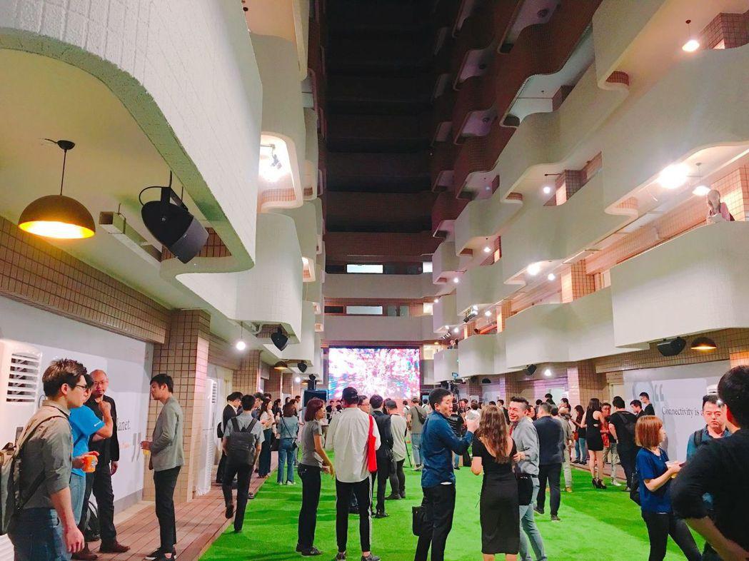 現場交流氣氛熱烈,產官學研齊聚「兆基國際新創聚落」。