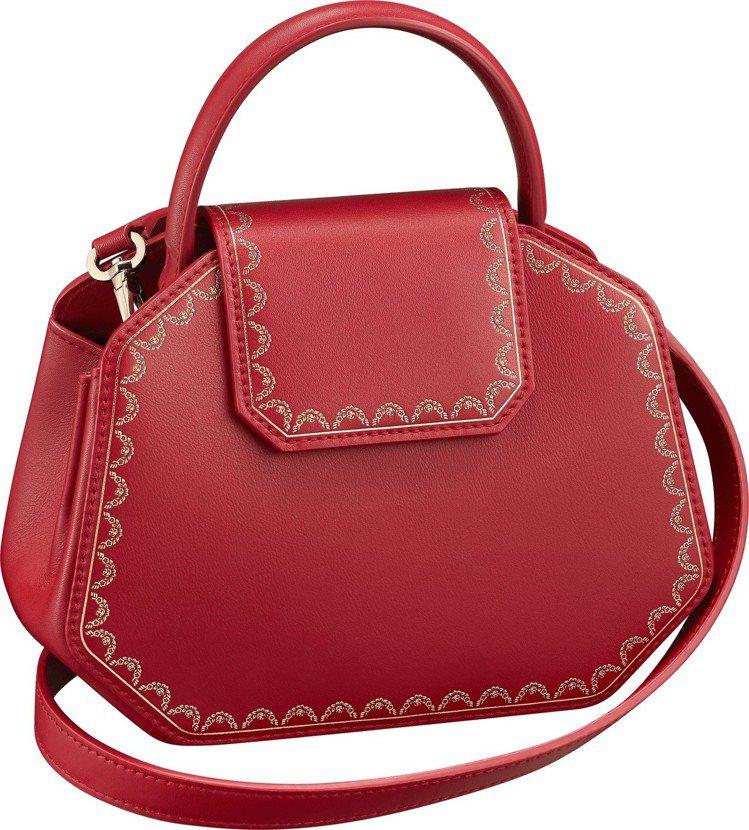 Guirlande de Cartier 迷你款紅色小牛皮手提包,62,500元...