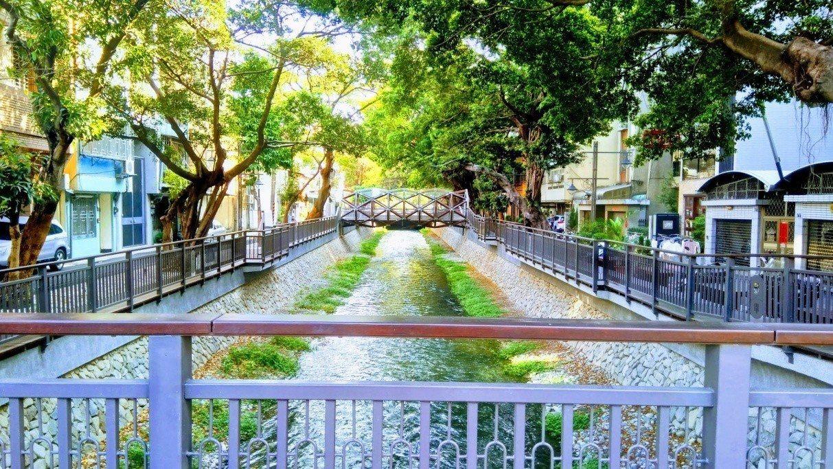 台中綠川水環境改善計畫(復興路至愛國街)榮獲「水漾景觀獎」。圖/台中市水利局提供