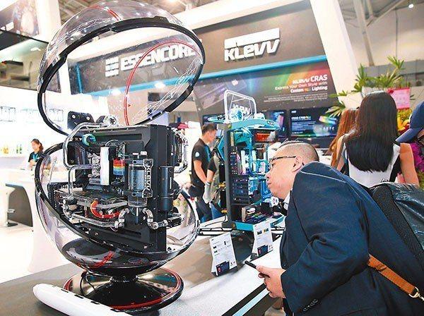 今年的台北國際電腦展,結合了台灣深厚的產業價值鏈及科技生態系,來支持未來跨界應用...