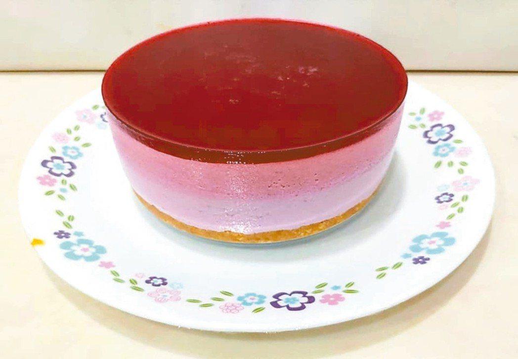 三色莓桃乳酪慕斯 圖/陳今珍提供