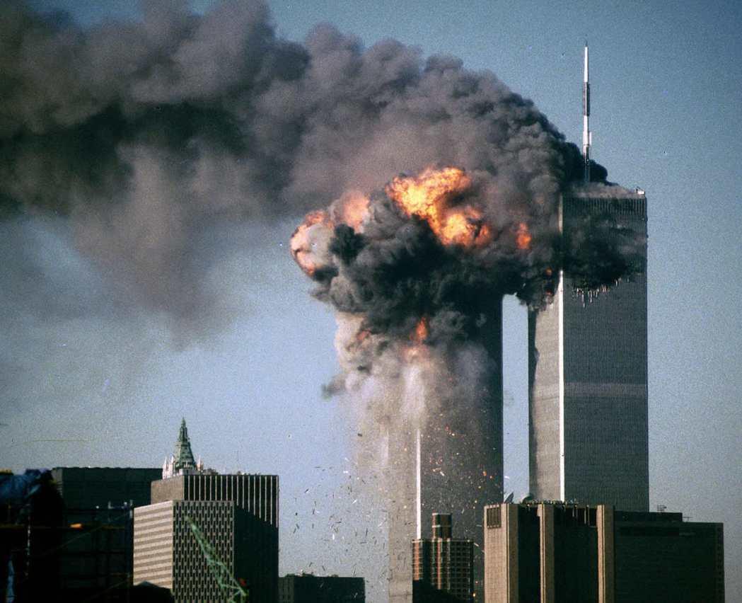 2001年911事件摧毀了世貿雙子星大樓,同時摧毀了眾多的辦公空間;同年,億萬富...