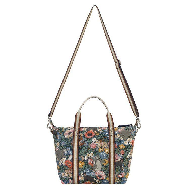 叢林花卉肩背包2,680元。圖/Cath Kidston提供