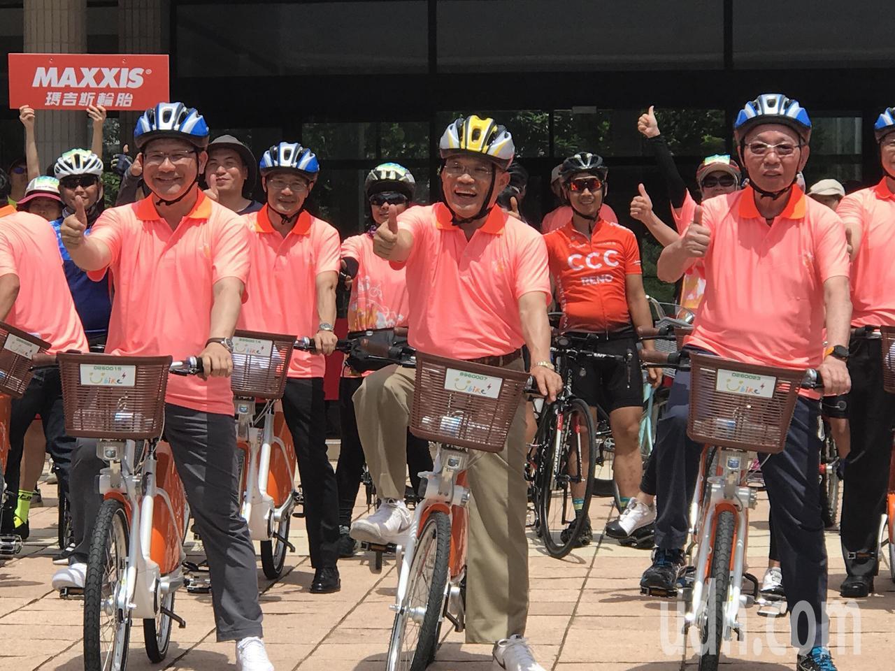 交通部長林佳龍今天宣布,2021年將訂為「自行車旅遊年」,不僅要提升自行車的硬體...