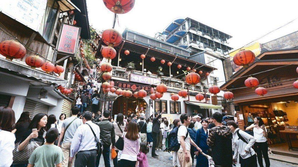 今年4月外國來台觀光客人次突破百萬大關。 聯合報系資料照