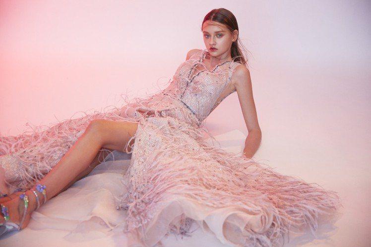 昆凌穿的LinLi Boutique 2019星辰系列JULIET甜美茱麗葉粉嫩...