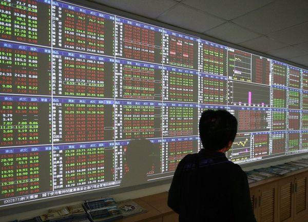投信展望台股後市,台股短空長多,建議以逢低分批布局台股基金。 本報系資料庫