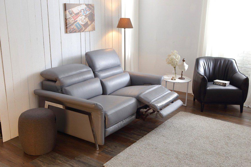 頭等艙沙發符合全家人需求又能達到真正的放鬆。 大漢家具/提供