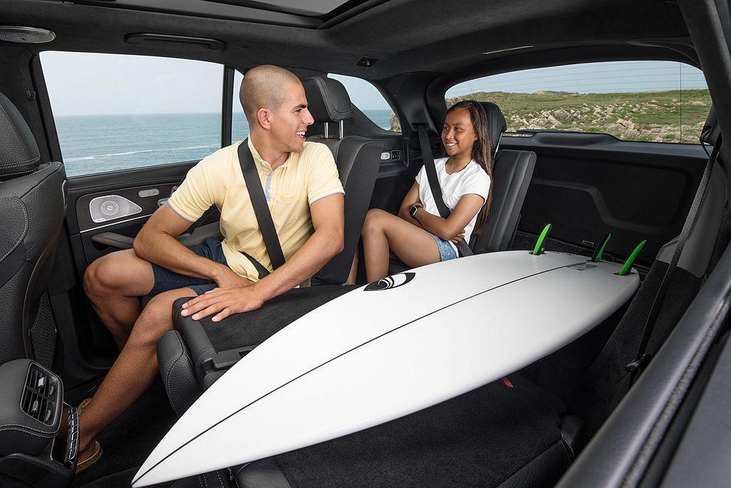 賓士GLE提供5人以及7人座的選擇,讓車主能夠更加靈活運用。 圖/Mercede...