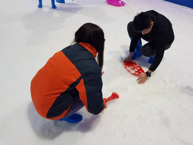 端午來「SNOWTOWN雪樂地」玩雪。圖/威秀提供