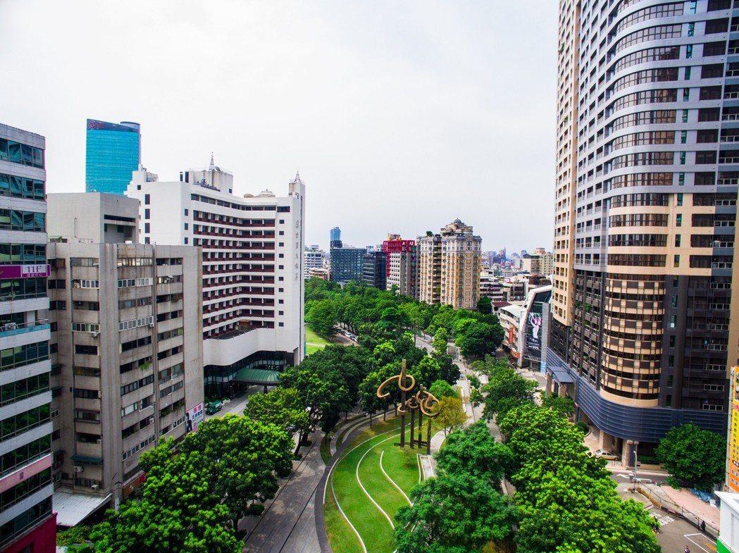 台灣富豪持有自用住宅平均達5.4戶,爬升到全球第二,僅次於沙烏地阿拉伯,而台北市...