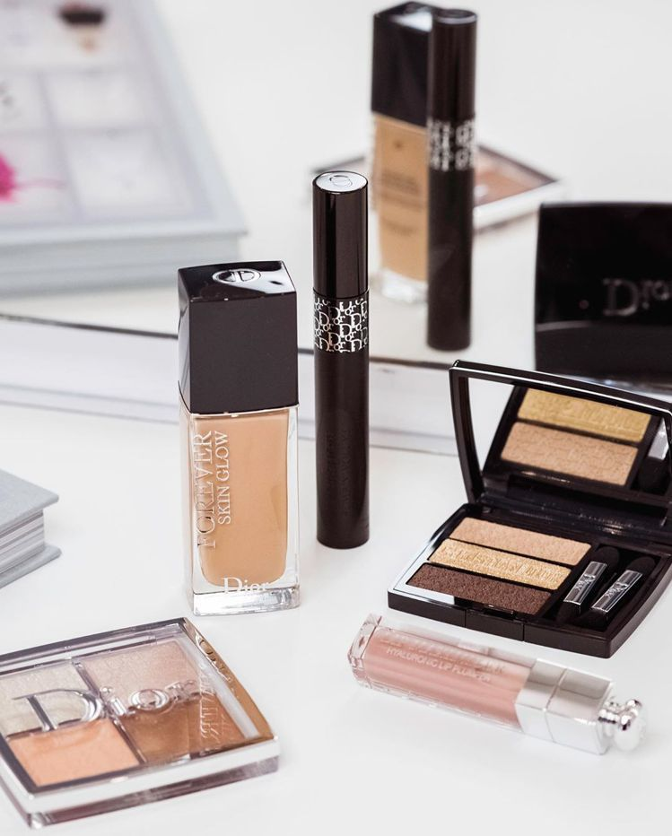 Bella Hadid最愛用的迪奧彩妝系列,大地色系全公開。 圖/摘自IG