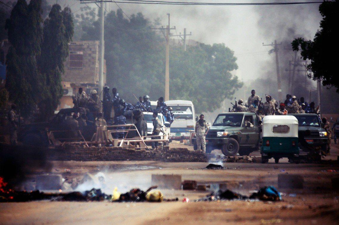 2019年6月3日非洲國家——蘇丹——發生極為血腥的武裝鎮壓事件。 圖/法新社