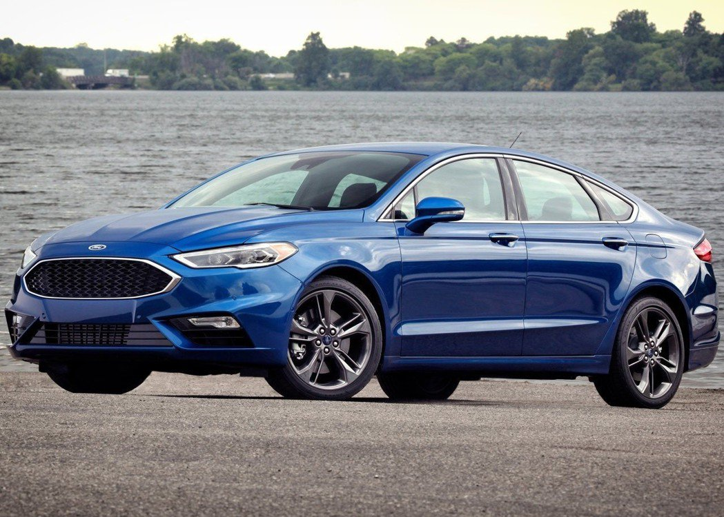 Ford Fusion Sport採用運動化的外觀運動力,為車系中頂級版。 摘自...