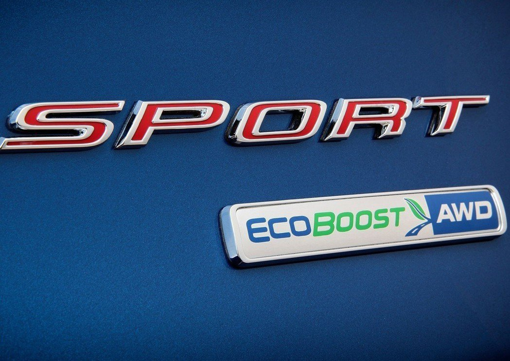Fusion Sport EcoBoost AWD銘牌。 摘自Ford