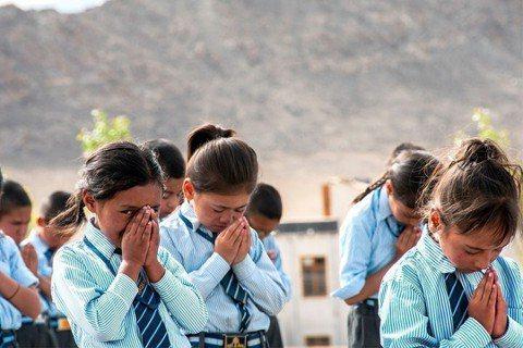 國立交通大學印度國際志工Jullay團,走進偏遠的喜馬拉雅山區,為偏遠校區Jam...