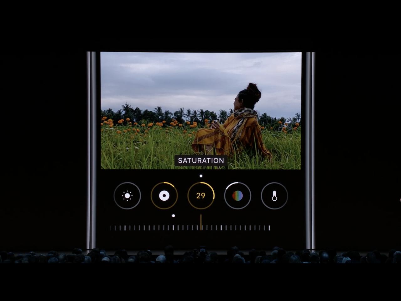 iOS 13提供了更多編輯照片的選項,連影片調整的功能都變多。圖/官網截圖