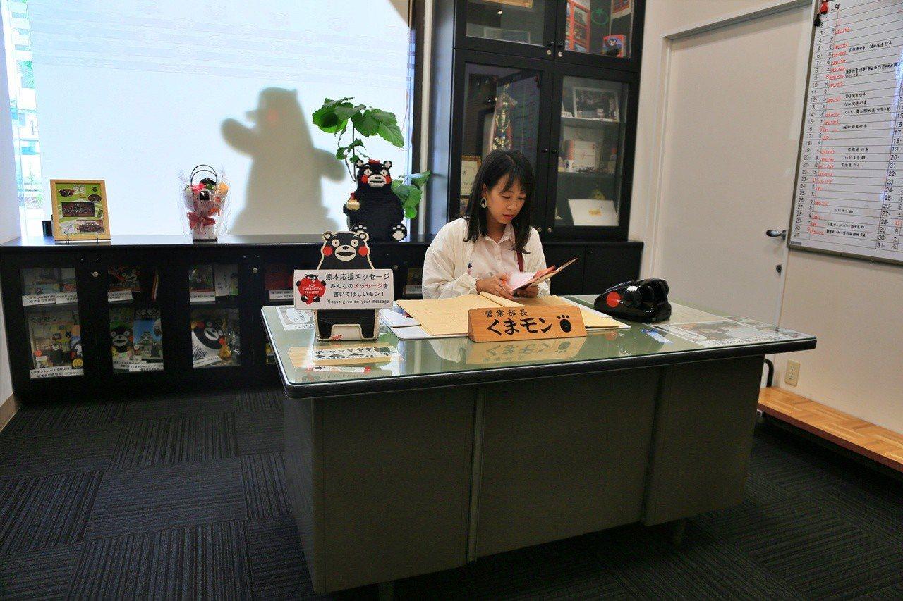 熊本熊部長辦公室辦公桌也是必打卡點。記者魏妤庭/攝影