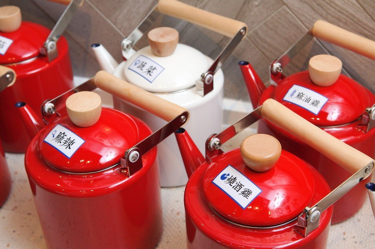 店內有6種特色湯頭。記者陳睿中/攝影