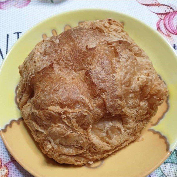 「食芋堂」的招牌芋頭泡芙。圖/IG @dorischi514提供