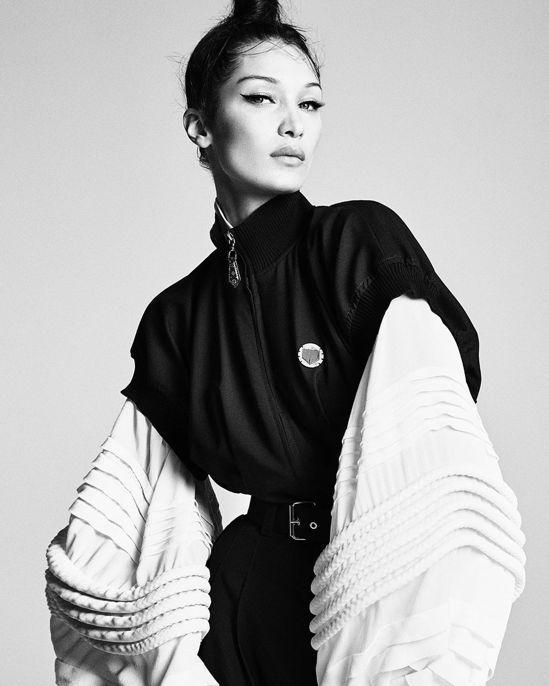 貝拉哈蒂德身穿路易威登2019春夏系列登上日版《VOGUE》雜誌。圖/取自IG
