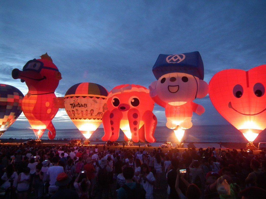 2019熱氣球光雕音樂會從8場次,再加碼1場,而且特別是還有一場是在綠島舉行,這...