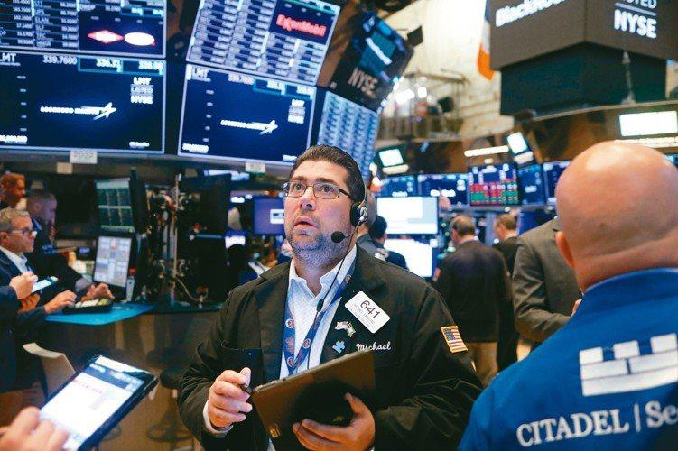法人表示,當市場情緒轉為保守,具防禦特性的公用事業類股表現相對亮眼。 路透