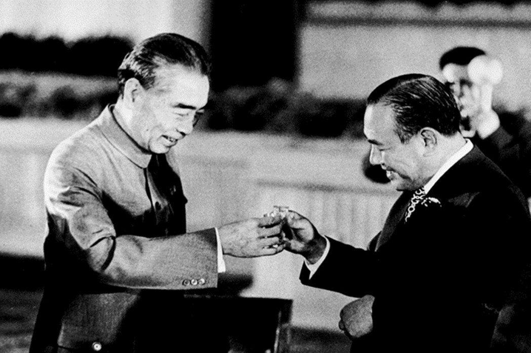 中日建交後兩國間的往來日趨密切,「社會主義理想國」的神秘面紗也被揭去。圖為197...