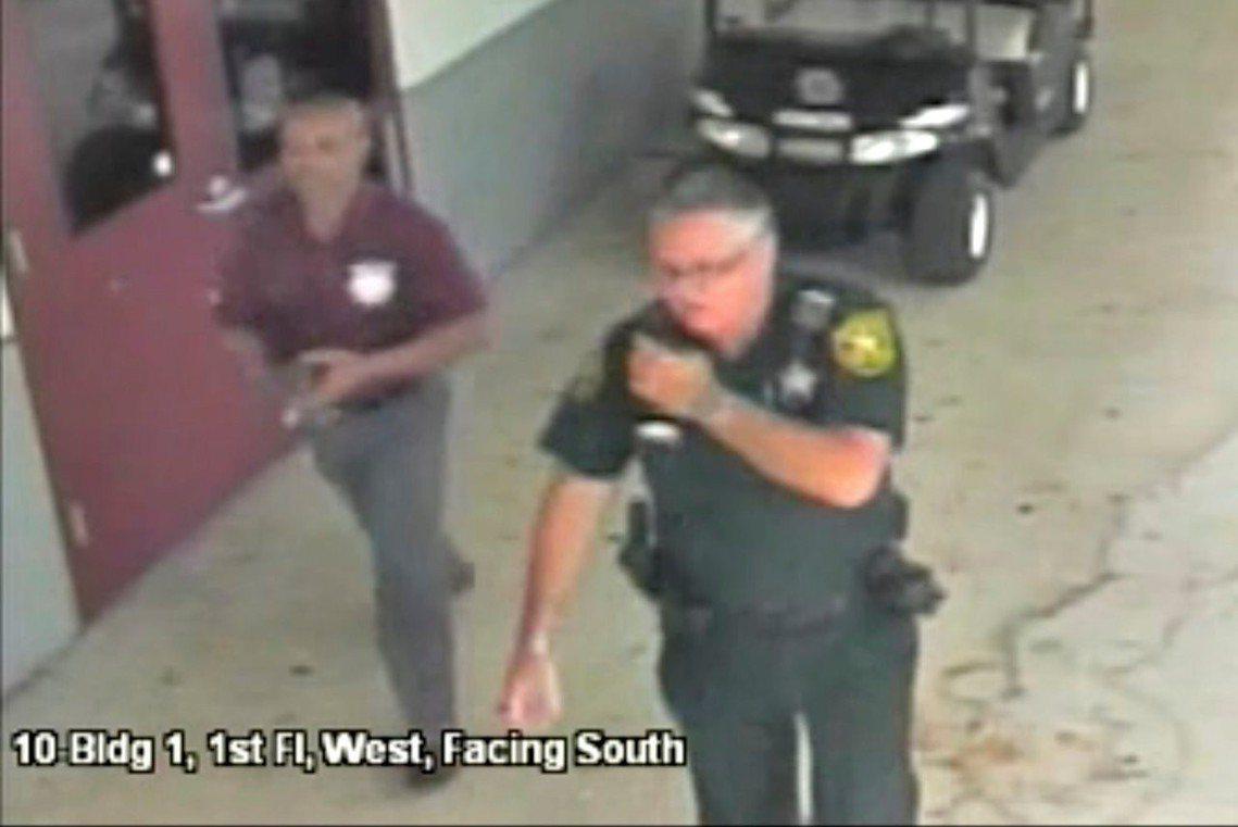 去年2月,發生在美國佛羅里達州、帕克蘭市的「斯通曼道格拉斯高中大規模槍擊事件」,...