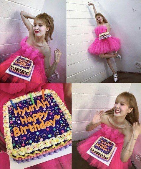 4日,泫雅官方SNS公開了一組生日照,寫到:「感謝的一天」。雖然泫雅的生日是6月6日,提前慶祝生日的她能看出當天心情特別好。單薄的身材和明顯的鎖骨和粉紅色連衣裙搭配,粉絲稱贊就像蛋糕里跳出來的娃娃一...