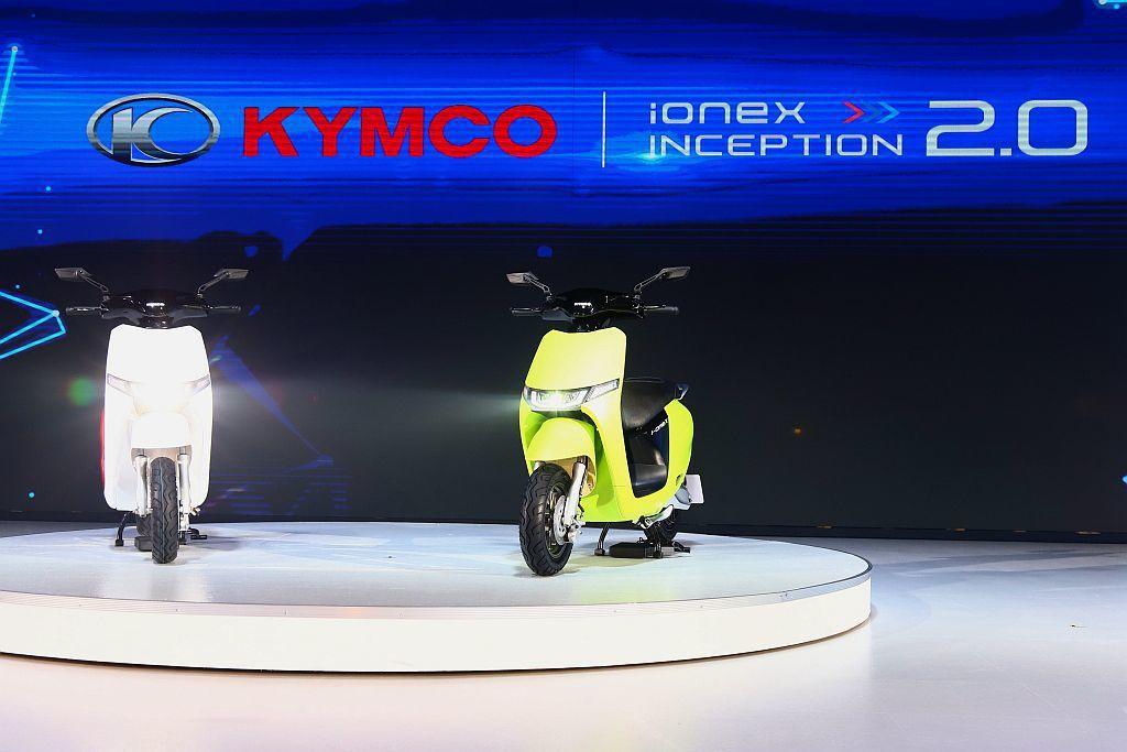 首度亮相的「i-One X」電動車,提供綠牌與白牌兩種不同動力規格可選,預計最快...