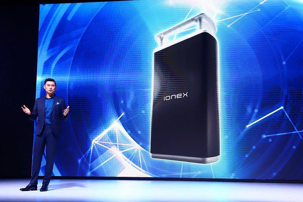 透過電池技術的提升,讓Ionex車能網2.0電池提升30%的續航力。 記者張振群...