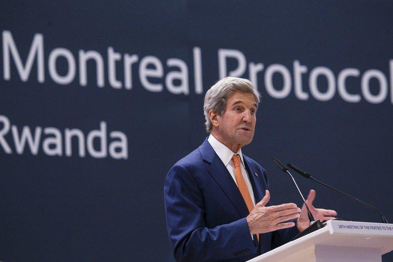 圖為美國國務卿凱瑞(John Kerry)於第28屆蒙特婁議定書締約方會議致辭,攝於2016年10月,盧安達基加利。 圖/美聯社