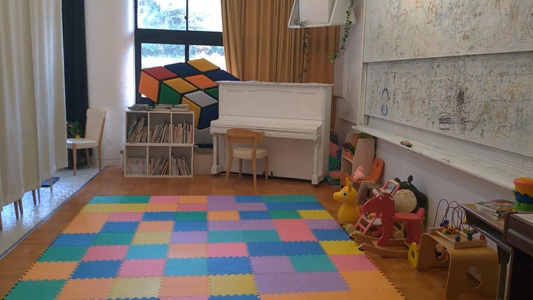 音樂教室變成幼托園區。記者蔡佩芳/攝影