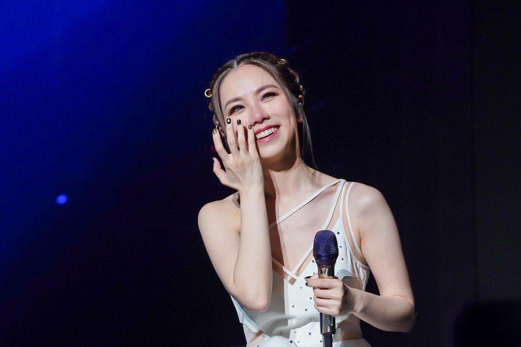 鄧紫棋4月底在高雄開唱時,聽見歌迷的打氣感動噴淚。圖/IME提供