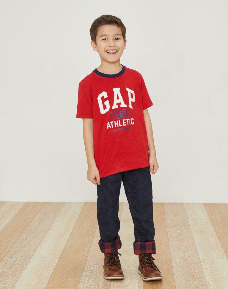 Logo短袖圓領T恤,原價699元、特價298元。圖/Gap提供