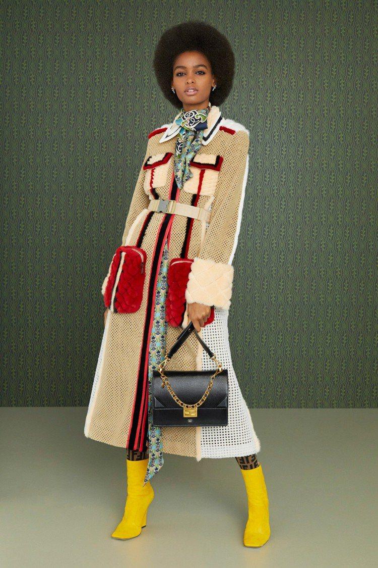 鏤空、皮草等細節拼接打造早秋外套的奢華。圖/FENDI提供