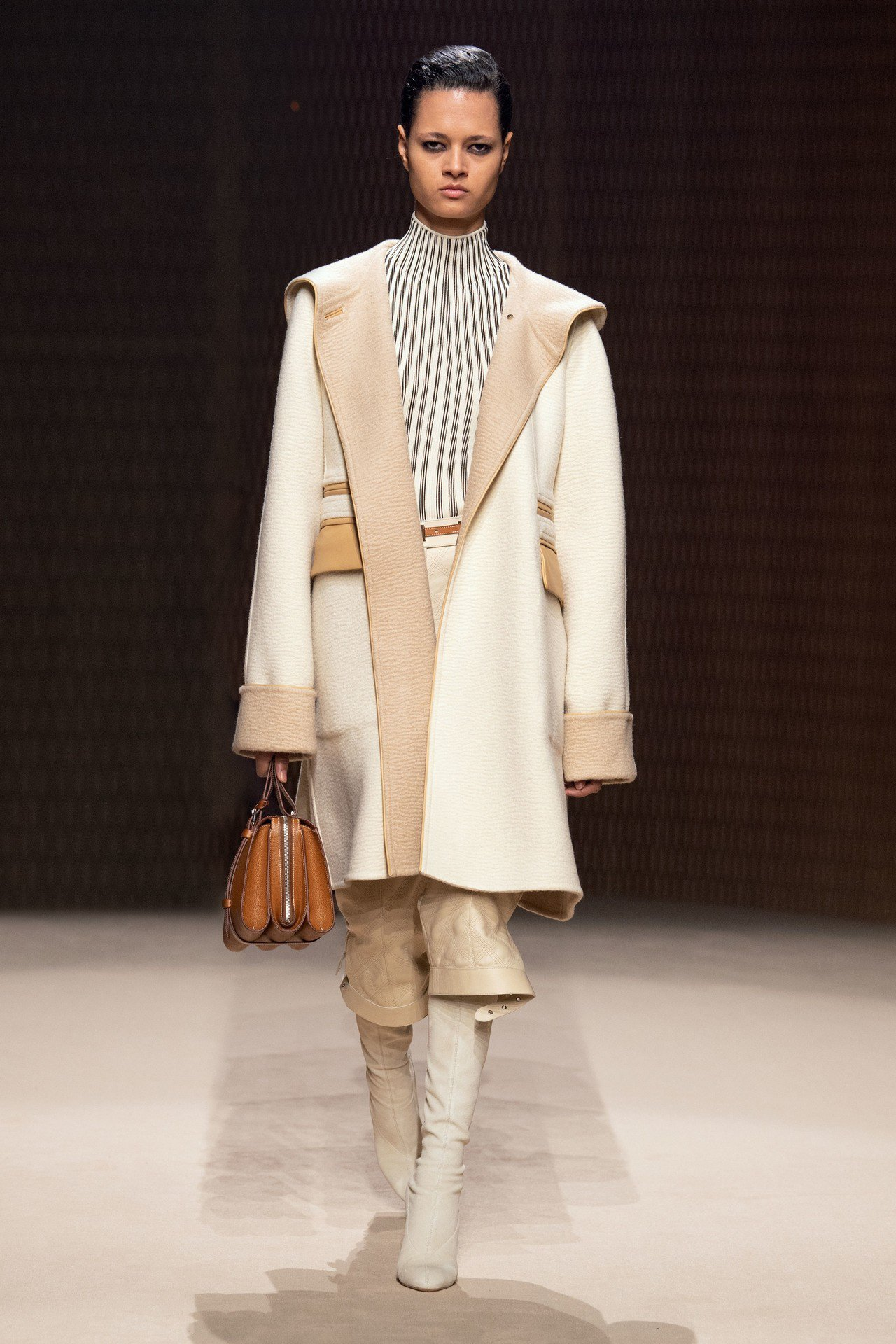 Simone Hermès系列Barénia Faubourg小牛皮包,像是手風...