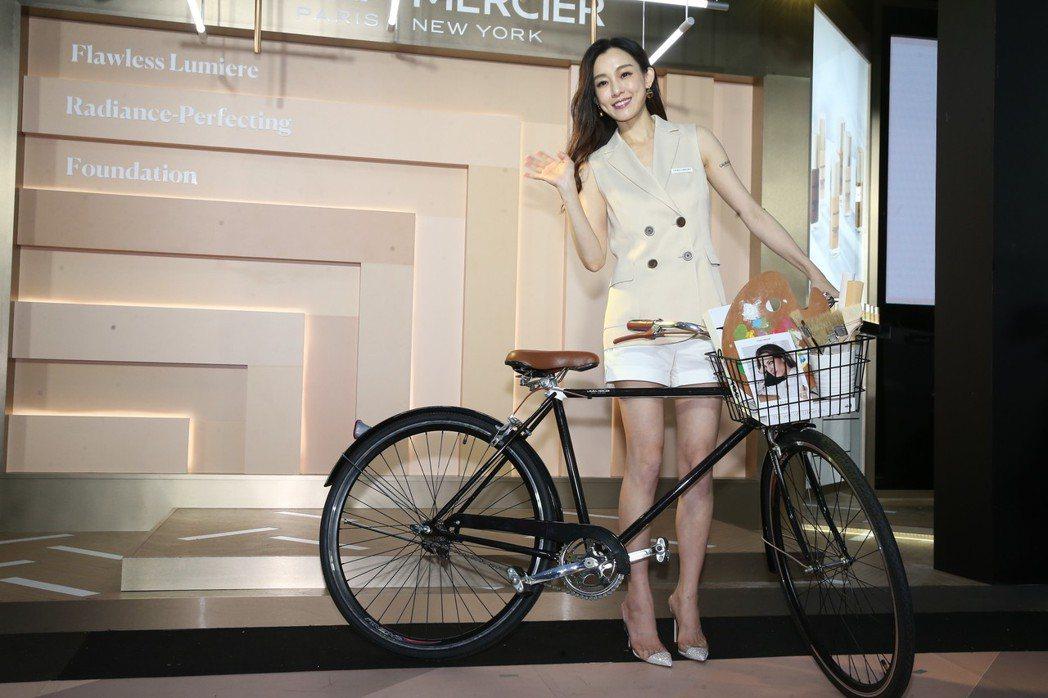 范瑋琪出席化妝品牌蘿拉蜜思開幕活動,分享維繫夫妻婚姻的小秘訣。記者徐兆玄/攝影