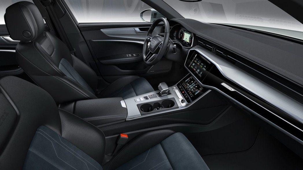 新世代Audi的內裝鋪陳科技感十足,多重螢幕設計的完全不突兀。 摘自Audi