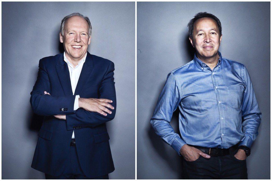 即將卸任Jaguar設計總監的Ian Callum (圖左),與接任者Julia...