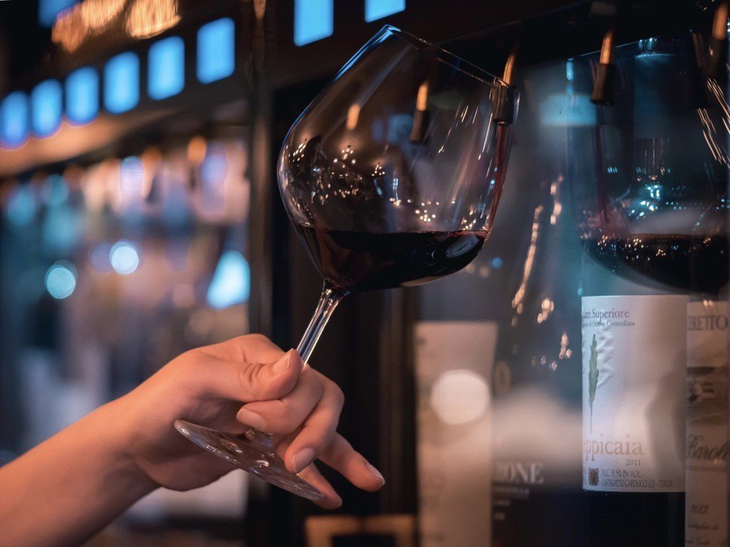 enowine不定期推出新菜色佐酒,小型聚餐、包場亦會提供客製餐點。 達豐泰/提...