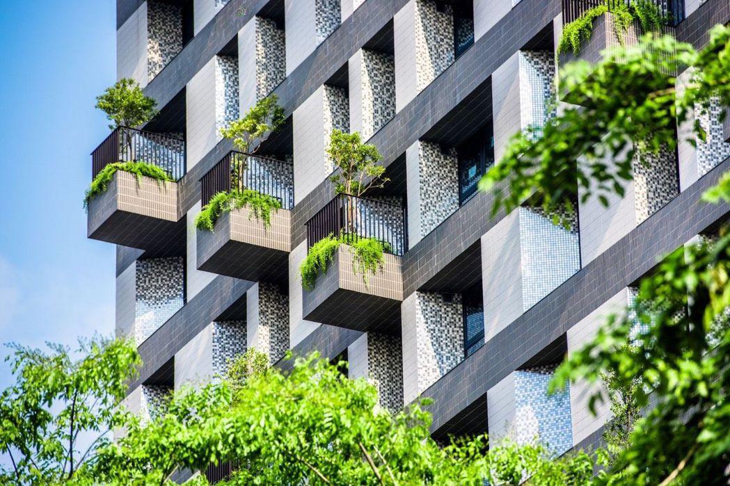 磐鈺建設結合新加坡WOHA國際建築團隊,打造「磐鈺雲華」。圖/磐鈺建設提供