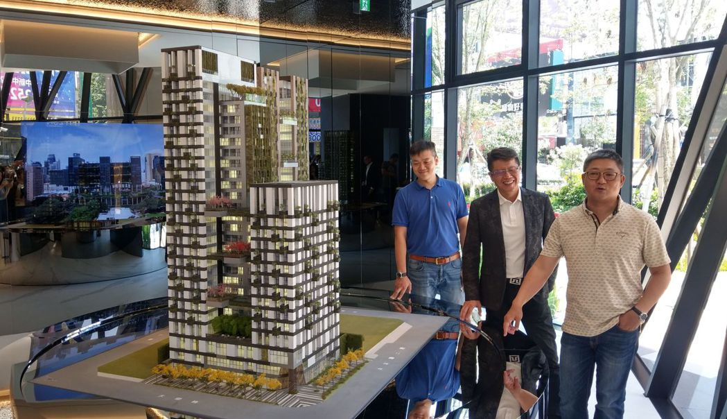 磐鈺建設結合新加坡WOHA國際建築團隊,打造「磐鈺雲華」。記者趙容萱/攝影
