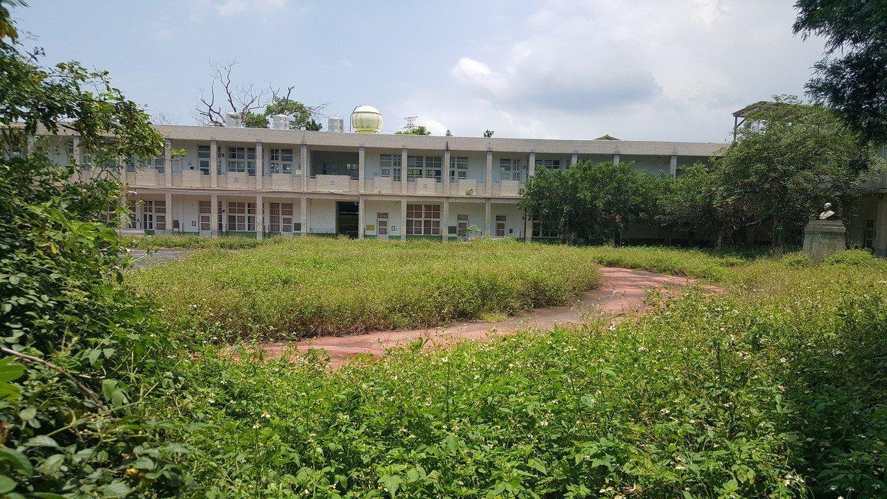 後龍鎮富田國小舊校地逾半是鎮有地,鎮公所已獲代表會同意處分土地。記者胡蓬生/攝影